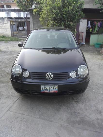 Volkswagen Polo Sedan 2.0