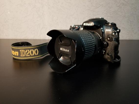 Nikon D200 + Lente Nikkor 18-135mm + 2 Baterias