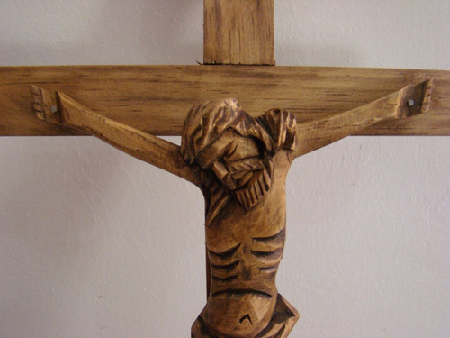 Crucifixo De Madeira Simples M