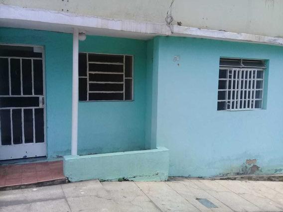 Casa Em Ótima Localização No São Sebastião Com 02 Quartos, Sala, Cozinha, Banheiro, Área De Serviço E Varanda. - 1180