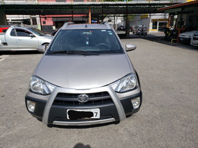 Toyota Etios Cross 1.5 16v Aut. 5p 2017