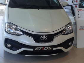 Toyota Etios Sedan 4 Puertas Blanco Version X