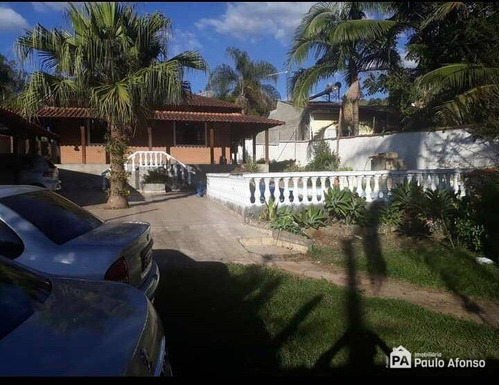 Chácara Na Cidade De Rio Pardo- Mg - Ch0110