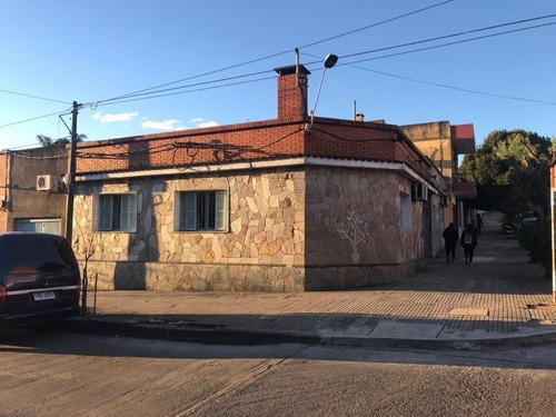 Imagen 1 de 13 de Casa Céntrica En La Ciudad De Rivera (ref. 3430)