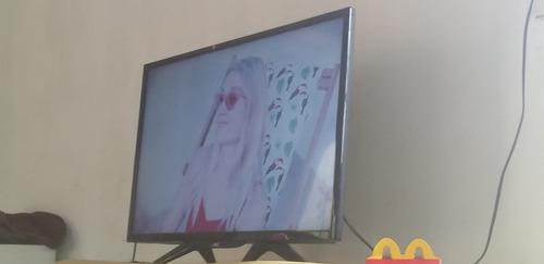 Imagem 1 de 1 de Tv Aoc 32 Esmate