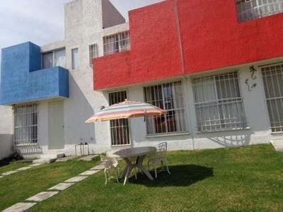 Linda Casa En Condominio Con Alberca, En Lomas Tzompantle.