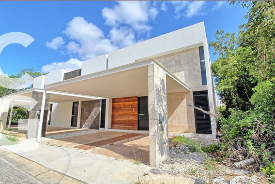 Casa En Venta En Cancun En Residencial Aqua A Excelente Prec