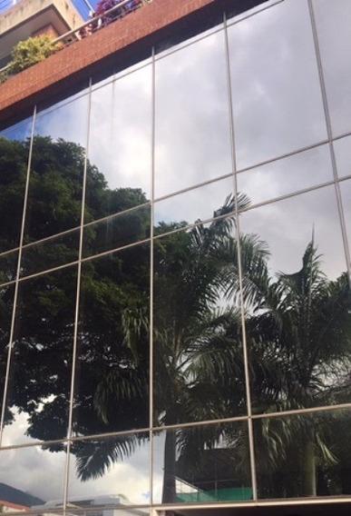Edificio Uso Comercial En Alquiler