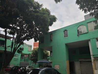 Casa Con Negocio En P.b. Y Oficinas/habitacional 1er. Y 2do