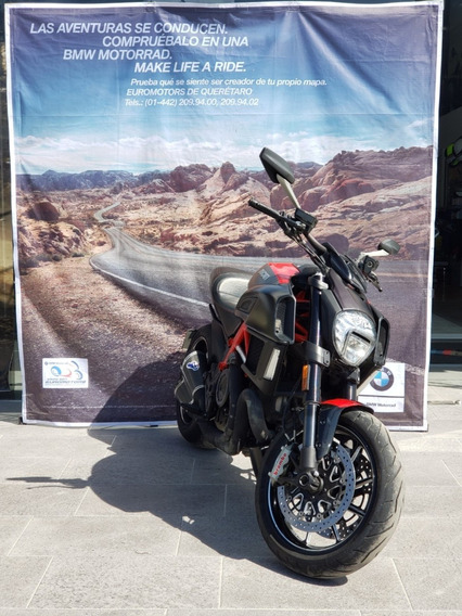 Ducati Diavel 2015 Carbon