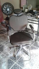 Cadeira De Barbeiro Reclinavel. Aceito Cartão.