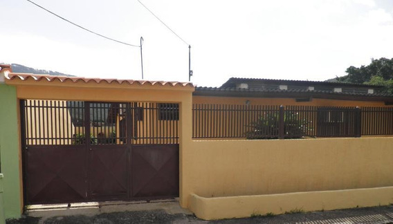 Casa Venta La Campiña 20-4449 Jjl