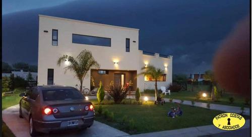2863ro-casa En Venta En Barrio Los Robles, Haras Santa María