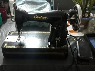 Maquina De Coser Antigua Marca Godeco Eléctrica Funcionando