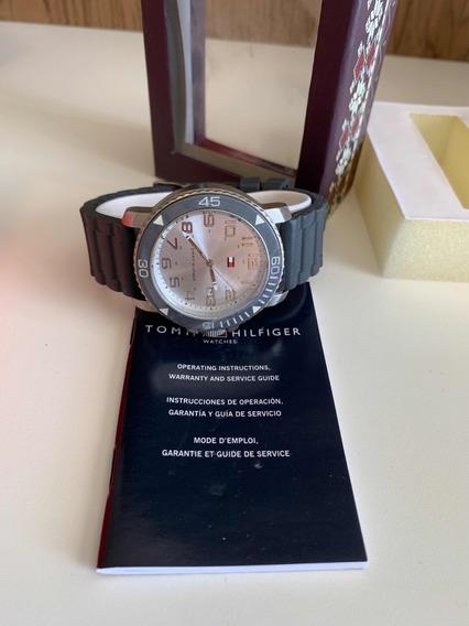 Relógio Tommy Hilfiger Masculino Em Aço Pulseira Borracha