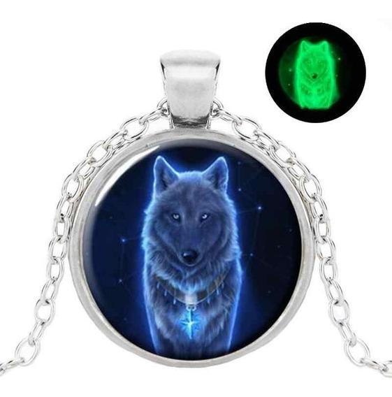 Colar Pingente Lobo Fantasma Brilha No Escuro - Ghost Wolf