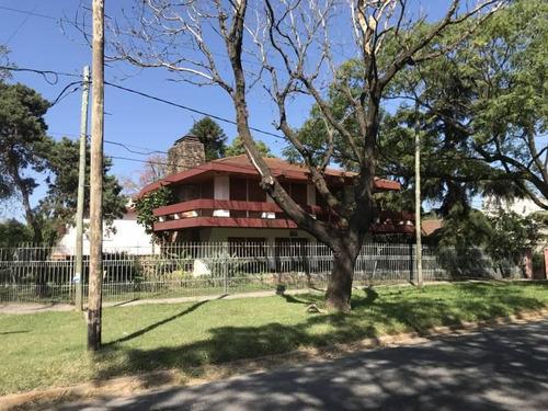 Ideal Inversores Casa Sobre 732 M2 En Av. Alcorta - Moreno Sur