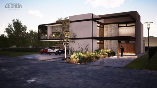 Casa En Renta En El Campanario Queretaro Rcr200528-ae