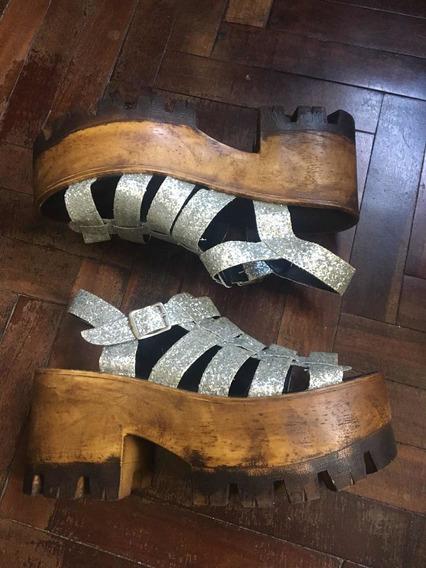 Sandalias Con Plataformas Plateadas Con Brillos Talle 40