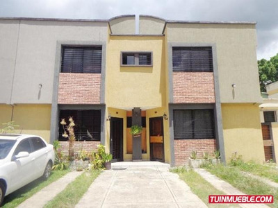 Townhouse En Venta En Casco Central, Naguanagua 19-12662 Em