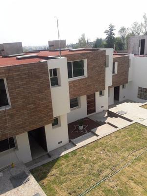 Vbl464-casa Desarrollada En Dos Plantas De Estilo Minimalista.
