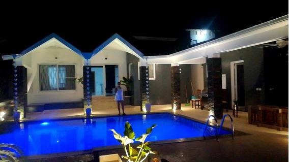 Villa Totalmente Renovada 3 Dormitorios, 3 Baños Con Piscina