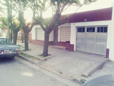 Inmueble En Barrio Céntrico - Se Recibe Vehículo En Pago