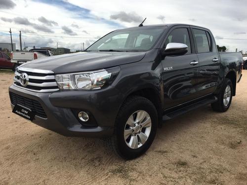 Toyota Hilux Srv 2.8 4x2