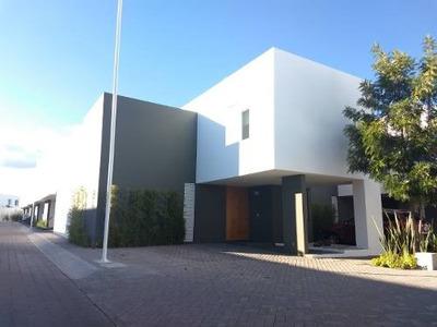 Casa Renta Juriquilla Amueblada Privada Alberca Factura Lujo