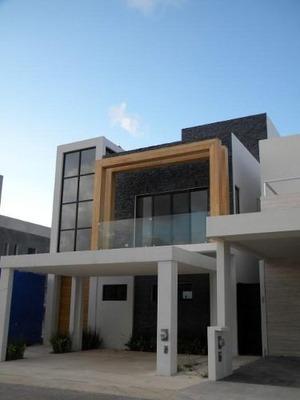 Residencial Aqua. Casa Para Estrenar En Venta Con Alberca De 3 Recámaras Fase Ii. Supermanzana 330 Cancún. Quintana Roo