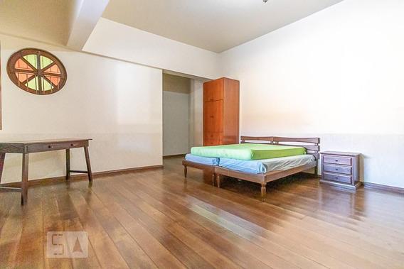 Casa Mobiliada Com 1 Dormitório E 1 Garagem - Id: 892947360 - 247360