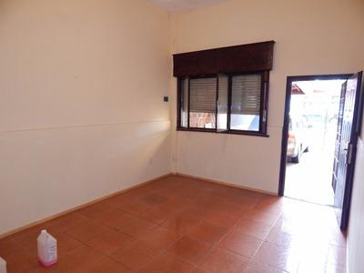 Casa Al Frente Un Dormitorio Con Cochera