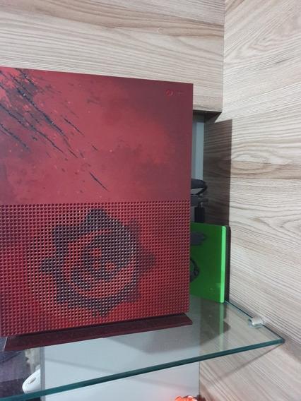 Xbox One S 4tb Gears 4 - 2 Controle Elite -troco Specialized