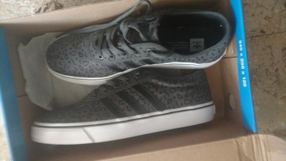 Zapatillas adidas Sin Uso, Nuevas