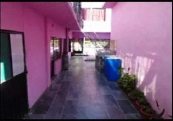 Bonita Casa 6 Departamentos 6 Baños Frente A Plaza Aragon