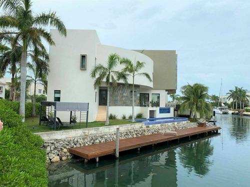 Casa En Venta En Cancun Los Canales I Puerto Cancun