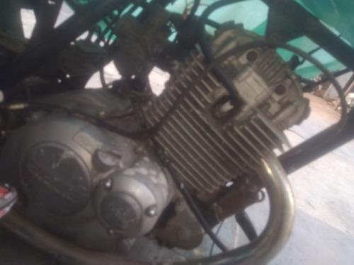 Suzuki Yes  2005