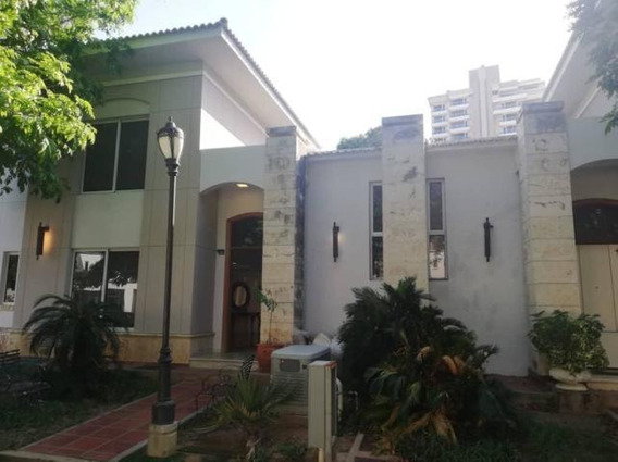 Casa En Alquiler, Maria Eugenia Matheus Mls #19-15035 Lago