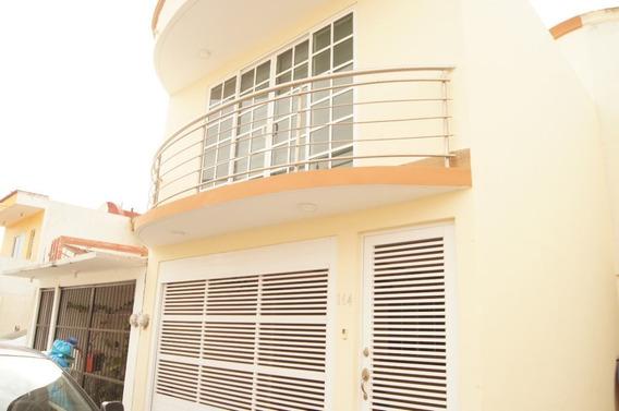 Casa En Venta En Fracc. Xana. Veracruz, Ver.
