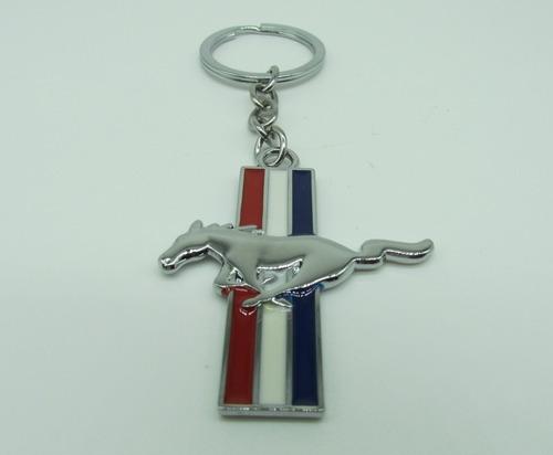 Imagen 1 de 4 de Llavero Ford Mustang Metal Cromo Accesorio Auto Emblema Caballo Clasico
