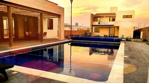 Imagen 1 de 14 de Lomas De La Vista 3 Rec 5 Baños 2 Estudios En Privada