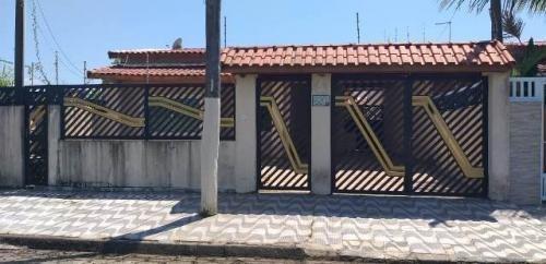 Imagem 1 de 11 de Casa Em Peruíbe Com 3 Dorm 1 Suíte E 300m² 6946