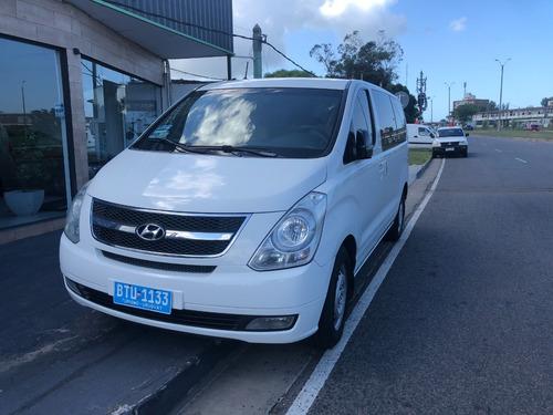 Hyundai H1 Mini Bus 12 Pasajeros 2.5cc