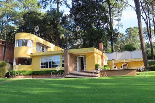 Venta Casa Con Amplio Jardin Maduro - V166
