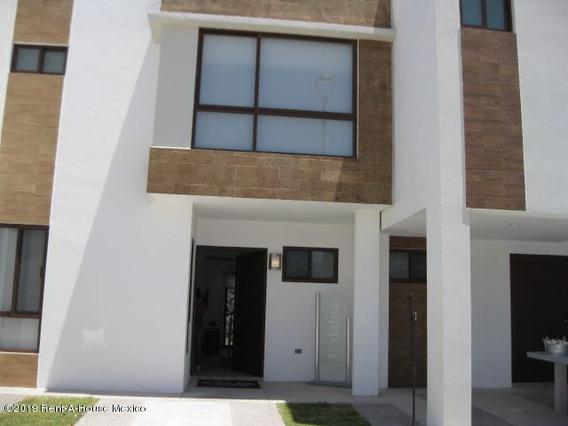 Casa En Venta Zibata 2196 Jl