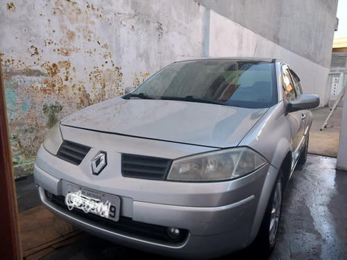 Renault Megane 2010 1.6 Dynamique Hi-flex 4p