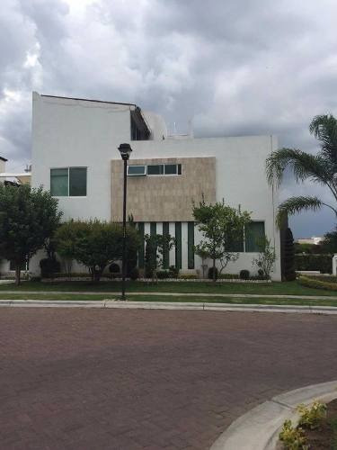 Venta Casa Aprovecha Hermosa Residencia En Residencial San Antonio, Irapuato