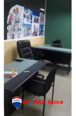 Se Alquila Oficina En C.c.p, Avenida Alirio Ugarte Pelayo