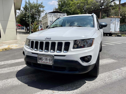 Imagen 1 de 10 de Jeep Compass 2014 2.4 Latitud 5vel 5vel 4x2 Mt