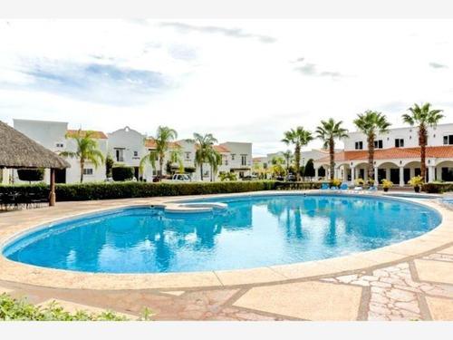 Casa En Venta En Mediterraneo Exclusivo Residencial En Area Privilegiada